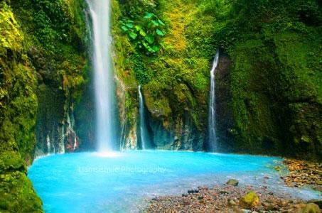 air terjun dua warna,wisata alam,indonesia
