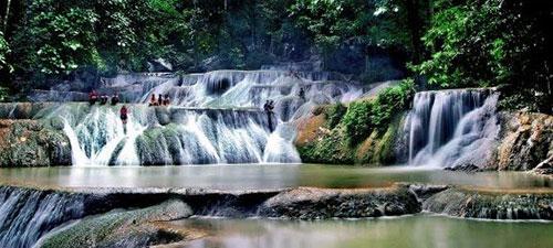 air terjun meramo,wisata alam,indonesia