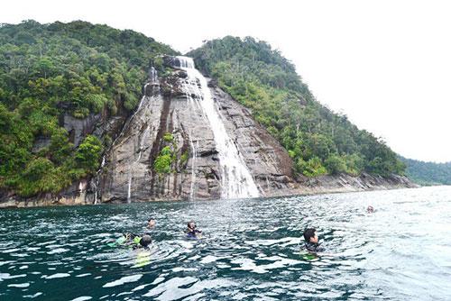 air terjun,mursala,wisata alam,indonesia