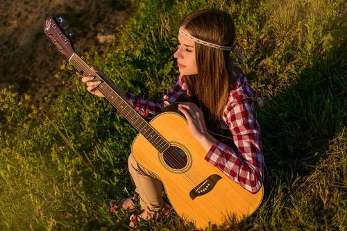 perempuan,gitar,cerdas,bisa diandalkan