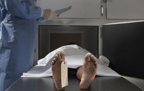 pekerjaan unik,embalmer,pengawet mayat
