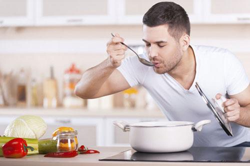 pria memasak,menikah