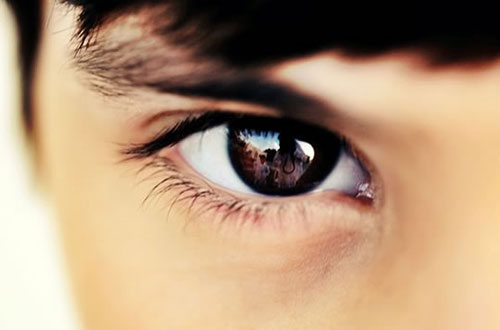 kontak mata,nyaman,akrab