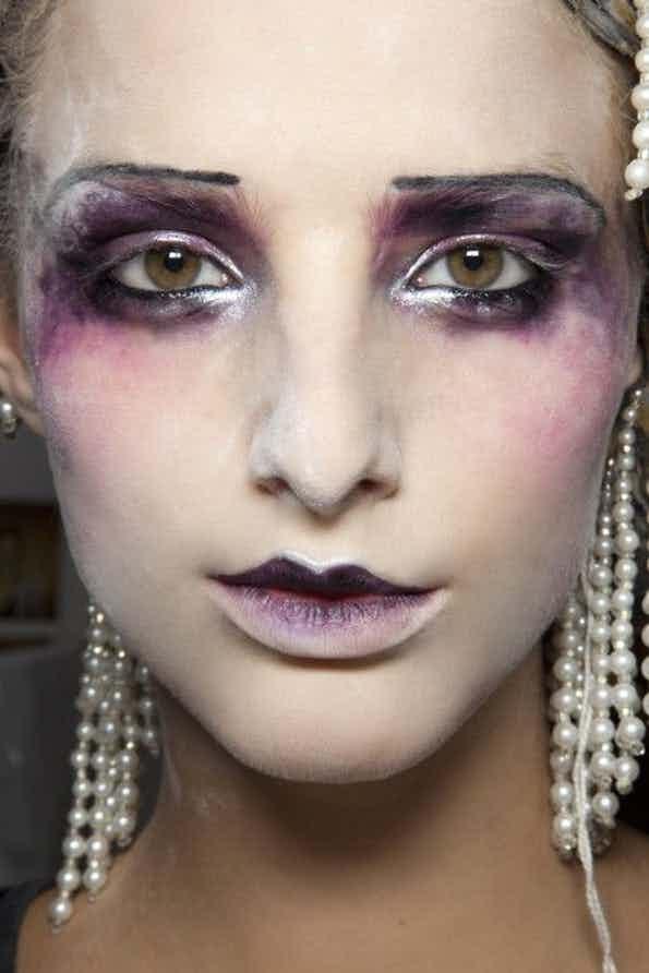 Alisnya horor banget, cocok buat ke pesta Halloween