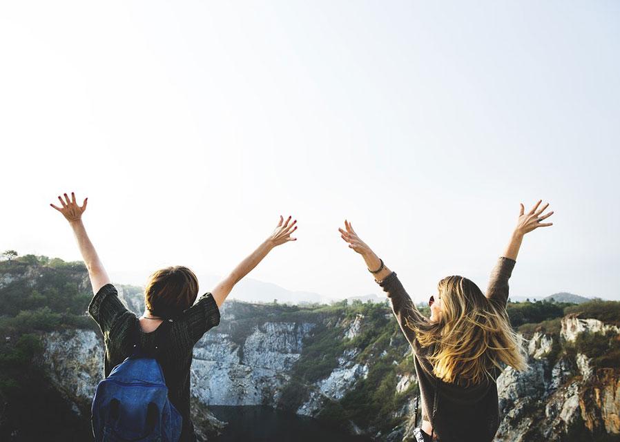 7. Selalu dikelilingi sahabat tercinta