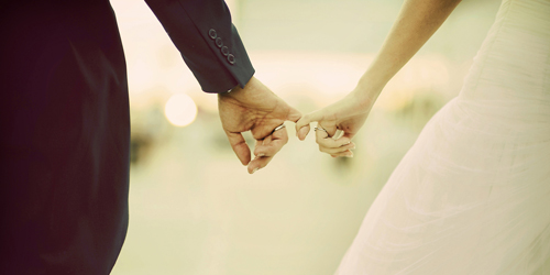Pasangan suami istri seumuran, resiko bercerai lebih kecil