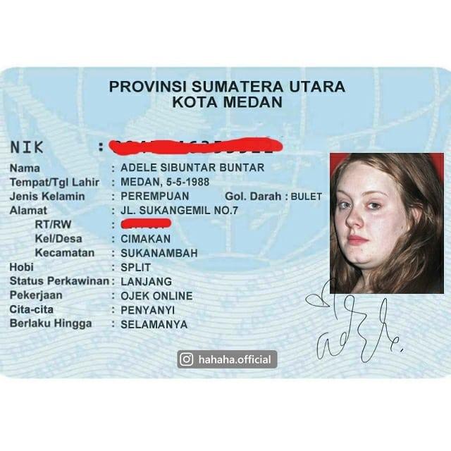 2. Wahhhhh… nggak nyangka ternyata mbak Adele juga jadi driver ojek online.