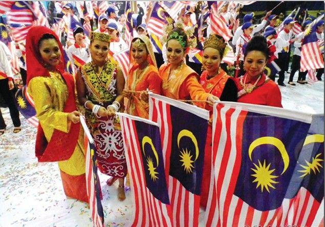 Suku Jawa di Malaysia berbicara dalam bahasa Jawa