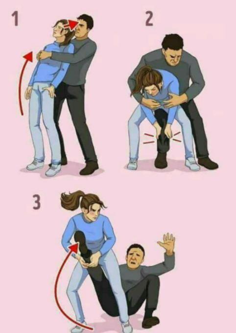 4. Saat pelaku memelukmu dari belakang