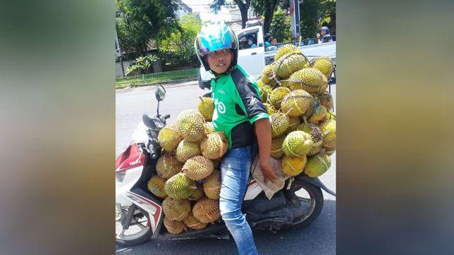Driver Ojek Online di Lombok ini Rela Bawa 90 Durian dari Order Offline