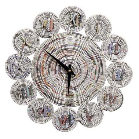 3. Keren abis kan jam dindingnya?