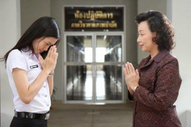 "Hampir mirip dengan India, Thailand memberi salam dengan tradisi ""wai"""