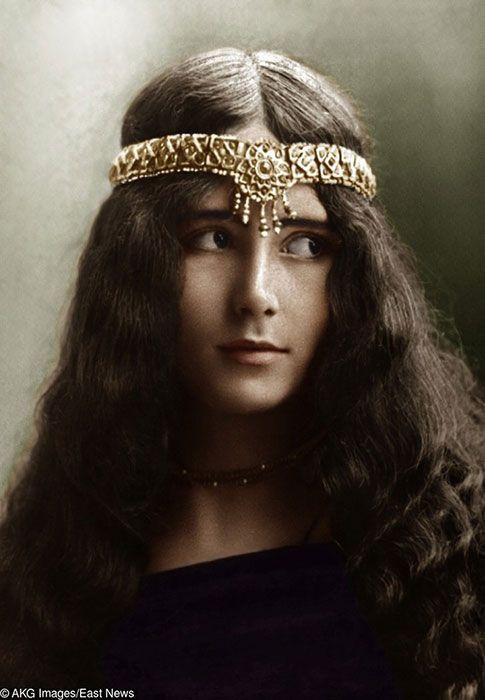 """4. Cleo de Merode menjadi wanita pertama yang meraih penghargaan sebagai wanita tercantik dan disebut sebagai """"Queen of Beauty"""""""