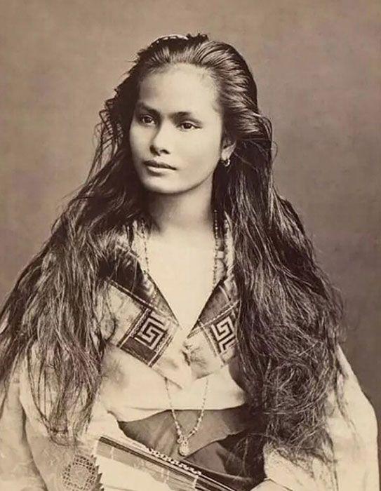 Bukan dari kalangan artis saja, wanita cantik asal Luzon, Filipina, juga mempunyai paras cantik yang dikagumi pada masanya