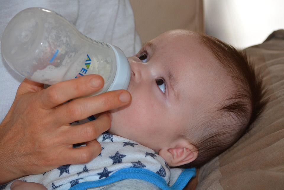 ASI vs susu formula? Perdebatan yang tak pernah berujung