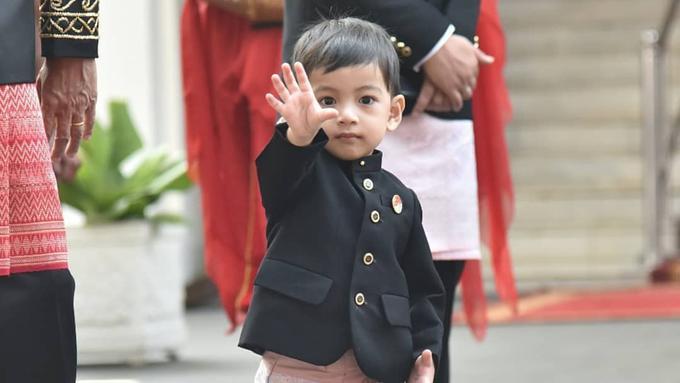 Arti nama cucu Jokowi, Jan Ethes Srinarendra