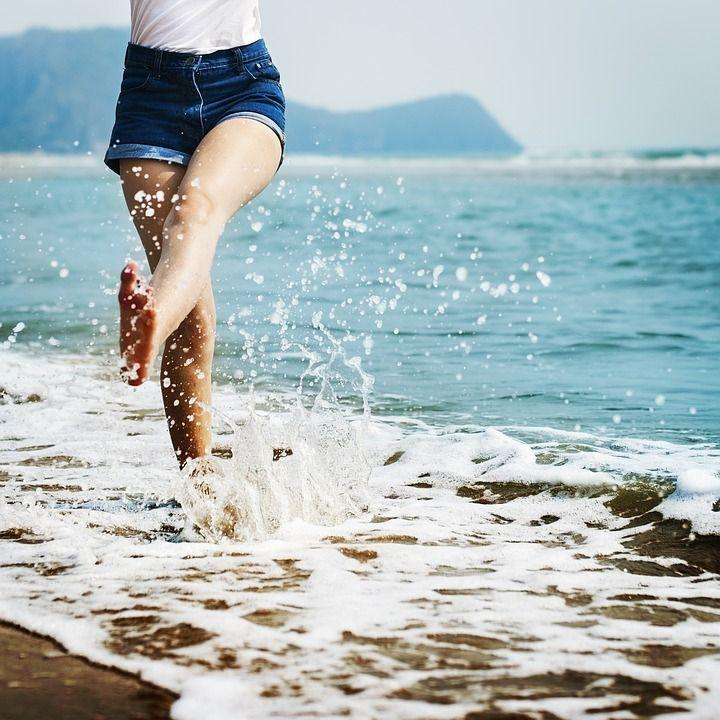 Manfaat jalan- jalan ke pantai
