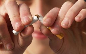 Perusahaan di Jepang Tak Mau Lagi Rekrut Calon Pegawai yang Merokok