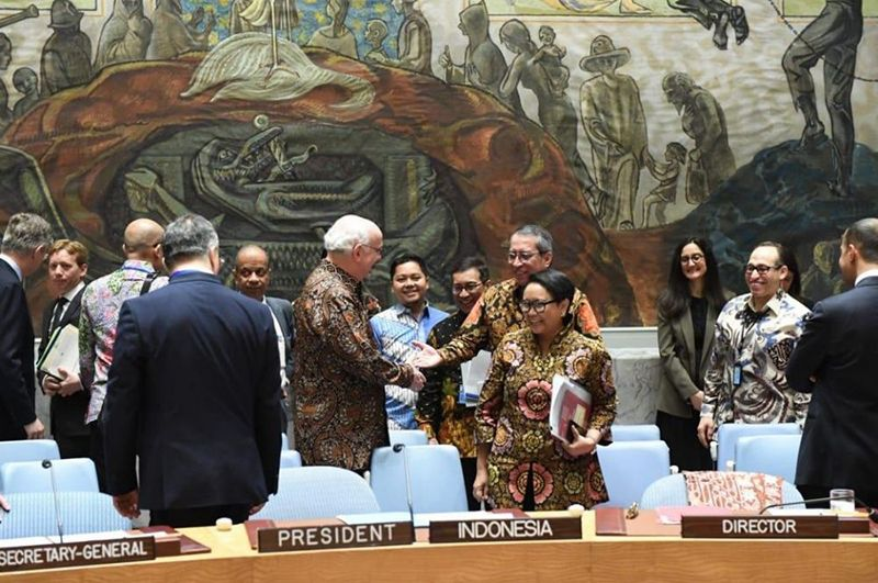 Viral Delegasi PBB mengenakan batik