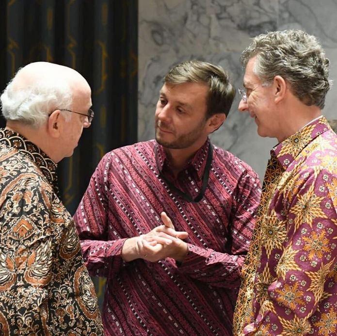 Delegasi DK PBB hadir dengan batiknya