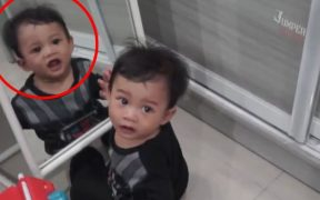 Viral Video Horror Bocah di Depan Cermin. Bikin Merinding!