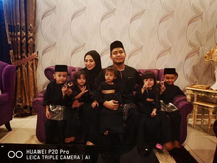 Foto keluarga Niessya Hasim